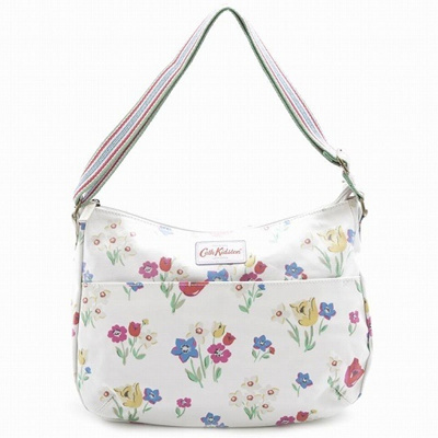 qoo10 cath kidston cath cath kidston the all day bag paradise bunch should bag wallet. Black Bedroom Furniture Sets. Home Design Ideas