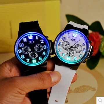 Qoo10SingaporeTide brand stunning luminous luminous wind Harajuku fashion trend of students watches couple watches for men and women led a large table?SB_child clothing
