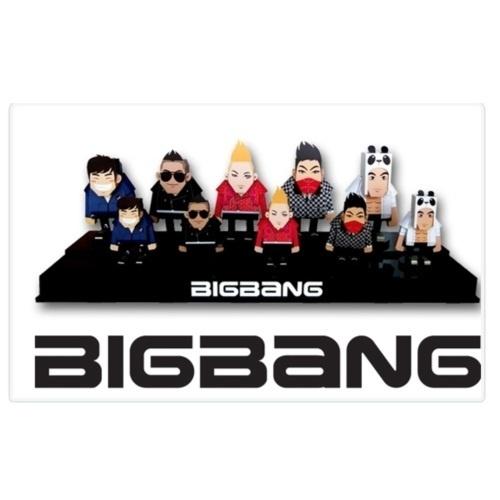 【クリックで詳細表示】★K POP★BIG BANG - 2011 Big Show Character Paper Toy M-Set(5PCS) + BIGBANG Socks