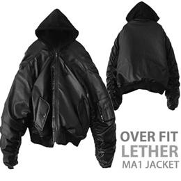 《送料無料》オーバーサイズレザーフーディーMA-1ジャケット