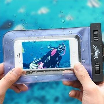 【送料無料】iphone5/iphone5S/iphone5C 防水ケース 防水バック 使いやすいクリア(透明)タイプ ケースの外からiPodやiPhone、iPod touch等のタッチ・ホイール、ボタン操作が可能 WaterProof Smartphone case [AONIJIE]の画像