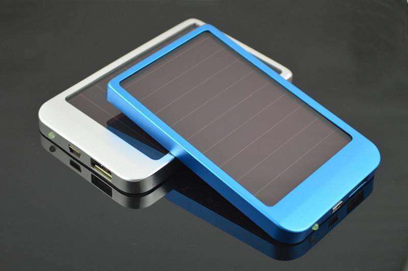 【クリックで詳細表示】4000mAhソーラーパワーバンクiPhone 6サムスンのタブレットPCのための携帯用のパネルのバッテリー充電器のDS4000