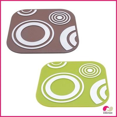 【日用品】 flos siliconeシリコン鍋敷きbrown、 Green HKS-E007、HKS-E008の画像