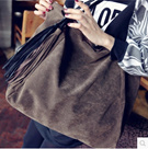 New winter fashion retro matte handbags handbag fringed shoulder bag large capacity suede bag 秋冬新款复古磨砂女包手提包时尚流苏单肩包大容量鹿皮绒包包