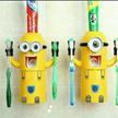 子供が楽しく歯磨き♪ ☆大人気!ミニオンズ☆  ミニオン 自動歯磨き ディスペンサー  吸盤タイプ