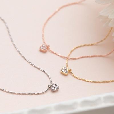 3粒石が輝くハートチャーム付きチェーンブレスレット 3色から選べる シルバー ゴールド ピンクゴールド ノンニッケルコーティング ミニハート ぷちハートフェミニンなシンプルブレスの画像