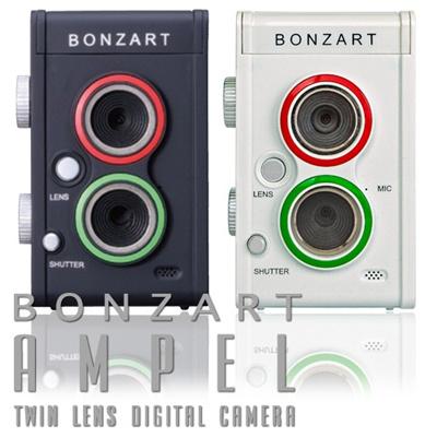 上下に二つのレンズを搭載した デジタルカメラ 二眼レフ風デジタルカメラ BONZART AMPEL【着後レビューでAMPELで使える単三乾電池3個プレゼント】【12月中旬発売予約受付分】トイデジカメ 大人のトイカメラ トイカメラ ミニチュア風 デジカメの画像