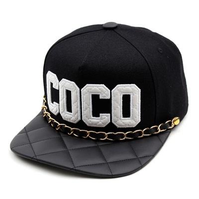 韓国のファッションのスナップバックUSA/100%実物写真/セレブが愛用する大人気のキャップ/ bigbang/G-Dragon/hiphop/帽子ヒップホップ帽平に沿ってhiphopヒップホップの帽子スタッズ付きの画像