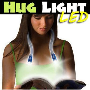 【送料無料】首から提げられるバグライトLED灯 HUG LIGHT LED!両手が自由に使えるハンズフリー ネックホルダー型 LEDライト 自在変形 読書 アウトドア 夜間 ウォーキング 散歩 ランニング 登山 防犯対策 防災対策など多用途に使用可能!の画像