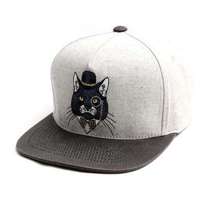 韓国のファッションのスナップバックFedra Cat/100%実物写真/セレブが愛用する大人気のキャップ/ bigbang/G-Dragon/hiphop/帽子ヒップホップ帽平に沿ってhiphopヒップホップの帽子スタッズ付きの画像