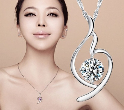 Qoo10赤字在庫処分、ラスト販売!シルバー製綺麗なCZダイヤモンドネックレス、プレセント、クリスマス、母の日