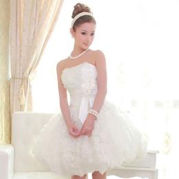 人生の一番幸せな時に最も美しい姿を現したいあたなへ♪【あす楽】【実物撮影】ウェディングドレス エンパイア 二次会 ミニ 大きいサイズ プリンセスライン 付添いドレス ウエディング 結婚式 花嫁 ドレス ワンピース レース ビジュー スパンコール ラインストーン エレガント 白