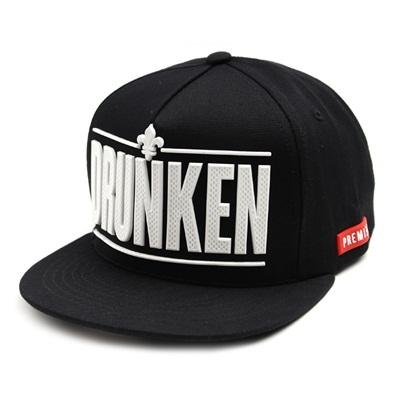韓国のファッションのスナップバックRubber Drunken/100%実物写真/セレブが愛用する大人気のキャップ/ bigbang/G-Dragon/hiphop/帽子ヒップホップ帽平に沿ってhiphopヒップホップの帽子スタッズ付きの画像