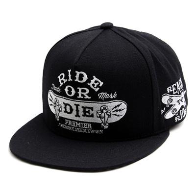 韓国のファッションのスナップバックDie Ride/100%実物写真/セレブが愛用する大人気のキャップ/ bigbang/G-Dragon/hiphop/帽子ヒップホップ帽平に沿ってhiphopヒップホップの帽子スタッズ付きの画像