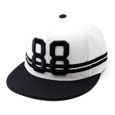 韓国のファッションのスナップバック88 Double Line/100%実物写真/セレブが愛用する大人気のキャップ/ bigbang/G-Dragon/hiphop/帽子ヒップホップ帽平に沿ってhiphopヒップホップの帽子スタッズ付きの画像
