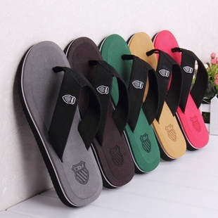 Clearance sale /3-5 days delivery Local seller Fashion flip flops and Noctilucence flip flops