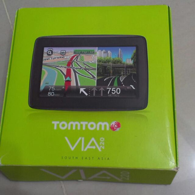 Brand New TomTom Car GPS Navigation Unit VIA 220 4 3-Inch Screen  Lifetime  Maps  Local SG Stock !!