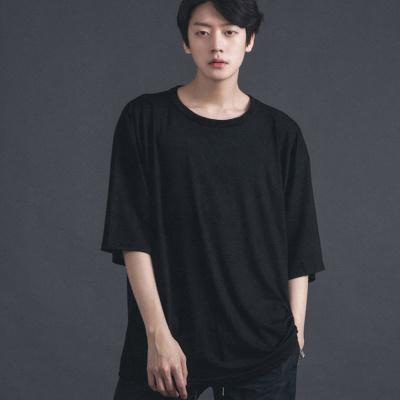 2b463a966 Qoo10 - Men Oversized Black T-Shirt. Street Dancer T-Shirt. Korean ...