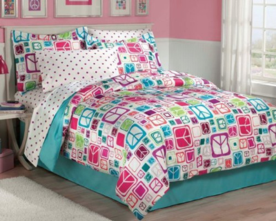 Chf Industries Retro Peace Signs Turquoise Pink Girls Comforter Set With Bedskirt