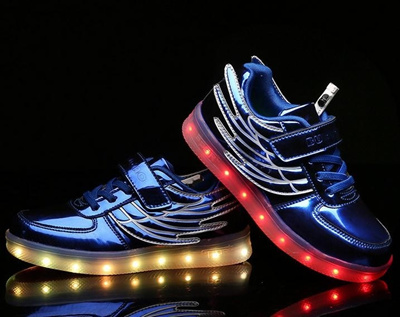 Led Licht Schoenen : Qoo children led lights shoes for boys girls usb charger light