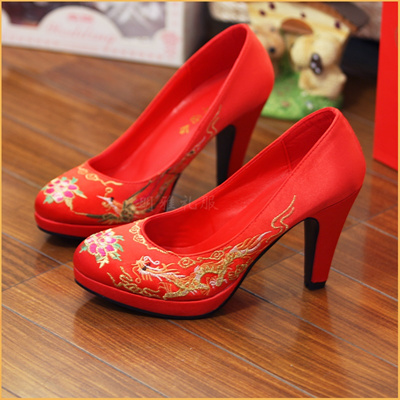 Chinese Dragons And Phoenixes Embroidered Shoes Wedding Shoes Red  Traditional Dress Skirts Gown Show