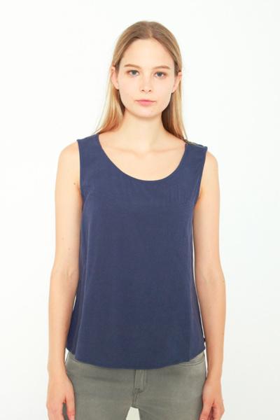 48d901cb53b25 Qoo10 - Viscose Sleeveless Blouse True Navy   Women s Clothing