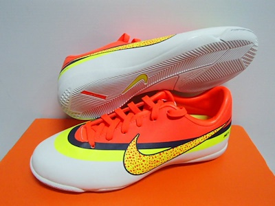 NIKE MERCURIAL VICTORY IV CR IC CRISTIANO RONALDO INDOOR COURT FUTSAL JUNIOR  KIDS YOUTH FOOTBALL f8898f37673