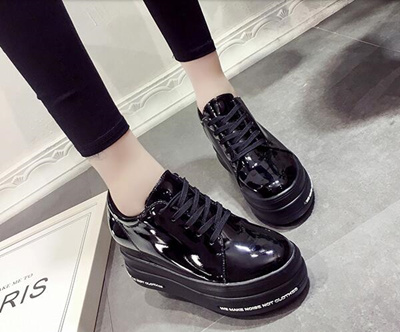 f21eefc7280 Qoo10 - leather shoes Female Retro The New Thick-soled platform shoes    Shoes