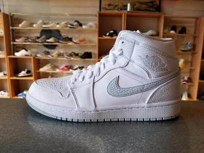 d32de3f1df0 Qoo10 - Man Air Jordan 1 Mid Shoes 554724-108 ⑮   Sportswear