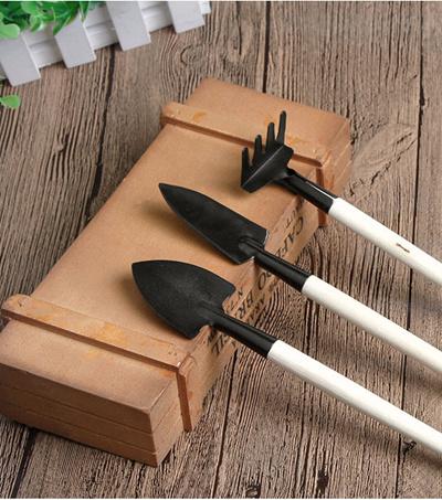 Qoo10 mini gardening tools tools gardening for Gardening tools singapore
