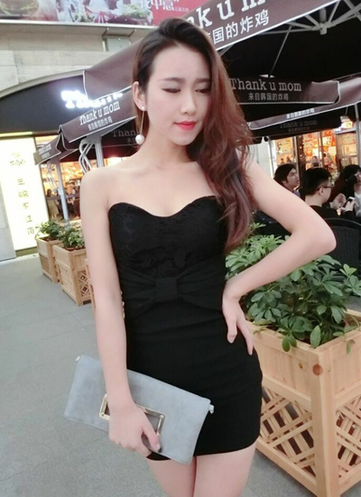 5311feba209 Qoo10 - Sexy Lace Tube Top Tube Party Dress in Black   Women s Clothing