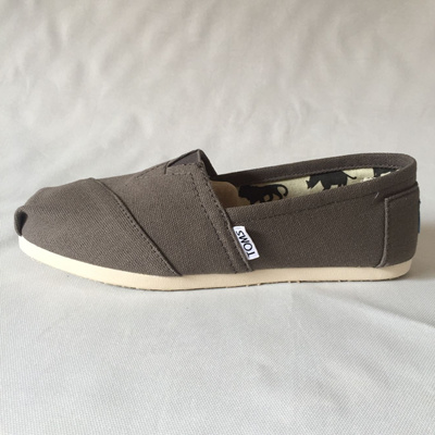 3ca1e19d45c Qoo10 - TOMS authentic ASH women classic canvas slips on canvas unisex shoes    Men s Bags   Shoes