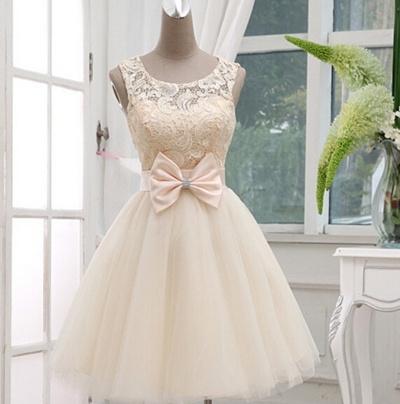 Qoo10 - Vintage Inspired French Lace Keyhole Wedding Dress Short ...