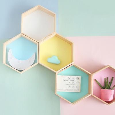 Qoo10 - Wall Shelf Hexagon Grid Wall Floating Shelves Sitting Room ...