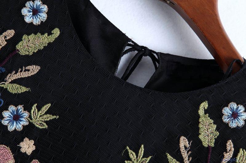 欧米風 刺繡入り チュールワンピース フリル 透け感 ブラック 着やせ セクシー ゆったり カジュアル  レディース