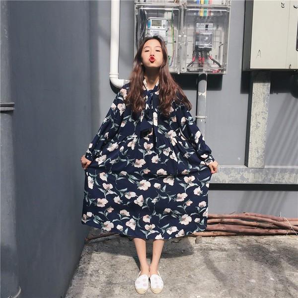 【送料無料】レディース ワンピース 花柄 白 ブルー ネイビー ひざ丈 長袖 ドレス 2017 新作