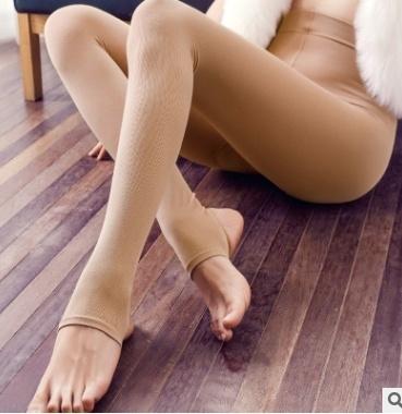 女性の柔らかい秋冬の暖かい綿のパンツの尻のモノレイヤーのブラシパンツ女性のパンティーホースのレッグ