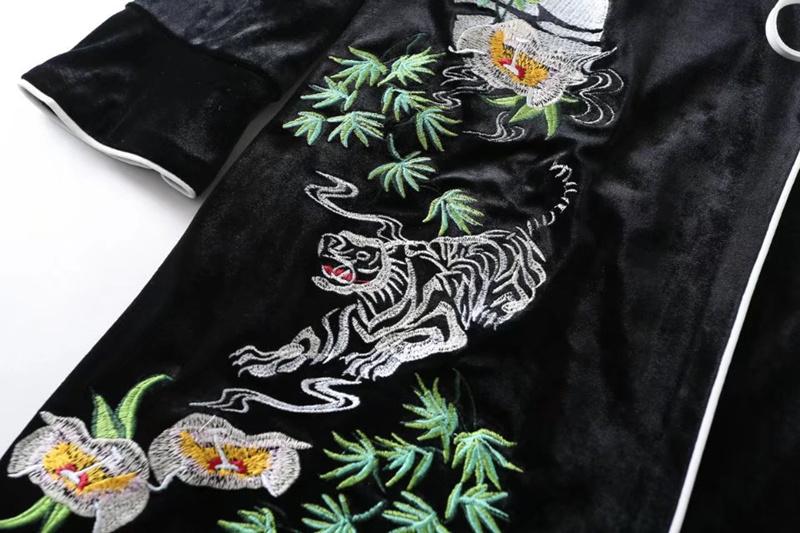2018早春の新型、欧米、長袖、カラー、刺繍、ベロア、围裹式、ストラップ、インサート色、ビロード、ワンピース