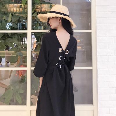 夏 新しいデザイン 女性服 ルース 着やせ 単一色 包帯 背中開き セクシー 中長デザイ