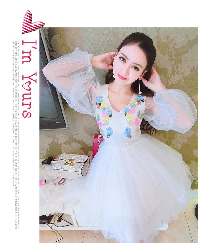 夏日新作レディースワンピース Vネックドレス  韓国ファション フレアスリーブゆったりワンピース 体のラインが美しい セクシー 優良品質の材料 柔らかい 爽やかなカラーで清楚な雰囲気に Vネックドレス