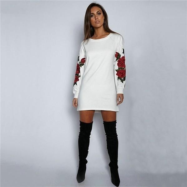 女性のファッション刺繍ロングスリーブセータードレス