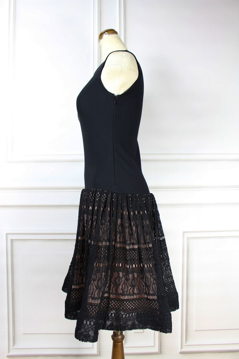 RIMI&Co.ふんわりスカートが大人可愛い 上品レースがエレガント 美人ワンピースストレッチニットで着やせ効果も!お呼ばれサマーニットドレス