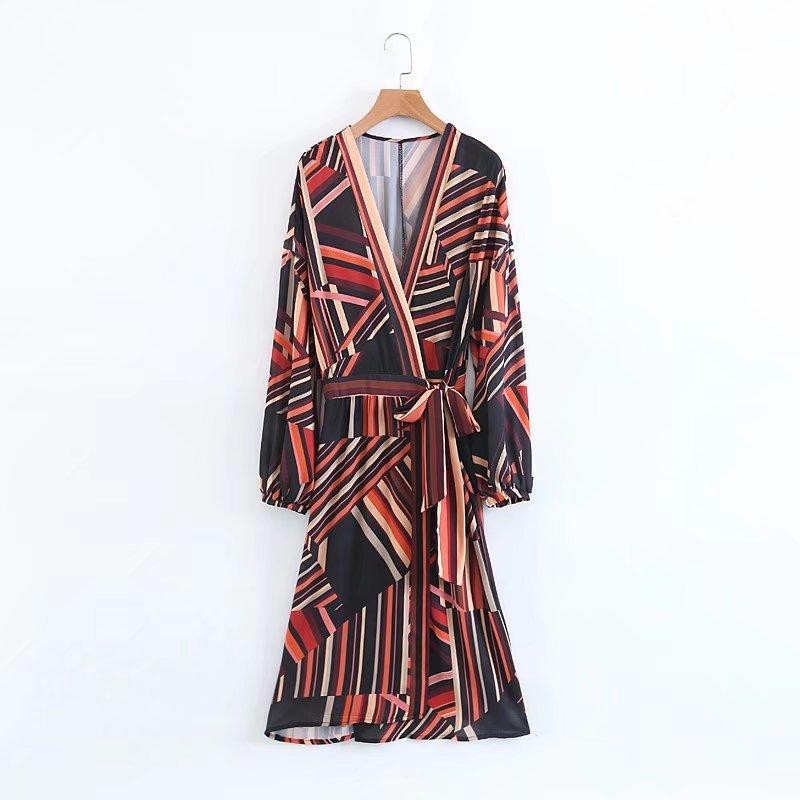 2017秋冬服新型、欧米の長袖のVネックレーススカート潮学生色彩の切り替えに長ワンピース