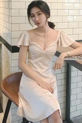 韓国 セクシー 背中開き Vネック 着やせ フリル スリング ワンピース  女 夏 A型