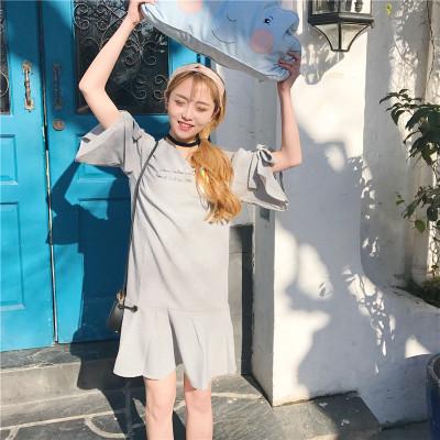 夏 新しいデザイン カレッジ風 A型スカート 刺しゅう 包帯 短袖 Vネック ルース 着