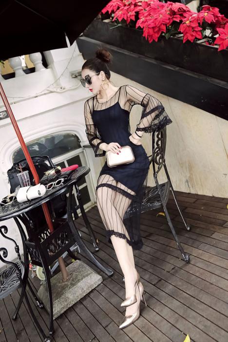 夏の新作モデル。クラブで働く方にもおすすめ。シースルー素材がセクシーなタイトワンピース。