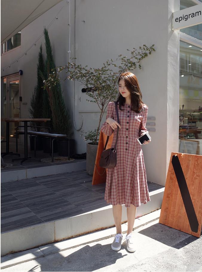 韓国ファッション Vネック セクシーワンピース  魅力的ワンピース 着痩せ 体型カバーに効く・ハイクオリティー ボディーラインがスリムに見え