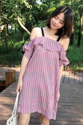 女性服 夏服 若いもの 韓国風 何でも似合う フリル ストライプス 肩なし ひもあり ス