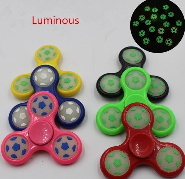 光るサッカーフィンガーハンドスピナーおもちゃEDC自閉症ADHD Fidget Spinnersジャイロギフト(カラーランダム)