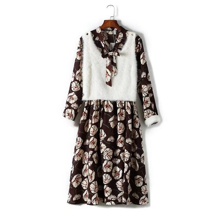 2017秋冬服新型、百搭修身のストラップ長袖で長めの偽2件のモモの花のスカートのワンピース